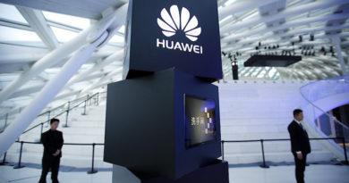 """Huawei го """"напаѓа"""" iPhone X: Во октомври претставува AI смартфон"""