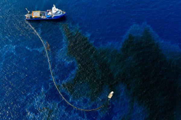 nauchnici-napravija-sungjer-koj-ke-ja-ischisti-naftata-od-okeanite