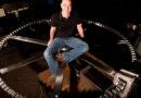 Џеф Безос конструира часовник што ќе работи 10.000 години (ВИДЕО)