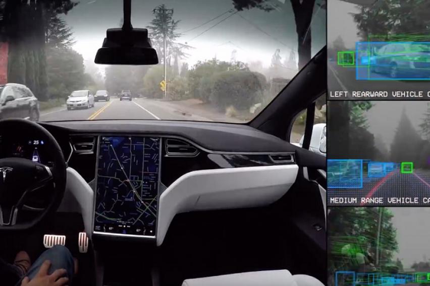 Ова се импресивните можности на автопилотот на Тесла (ВИДЕО)