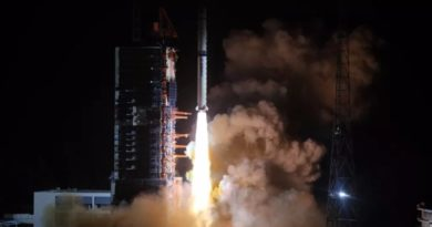 Успешно лансиран кинески лунарен комуникациски сателит (ВИДЕО)
