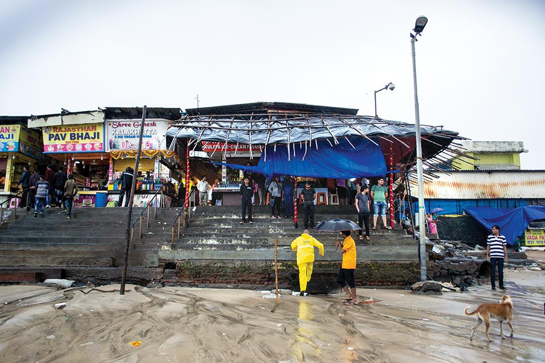 Како што нивото на морето растe, крајбрежни градови како Мумбаи се во опасност