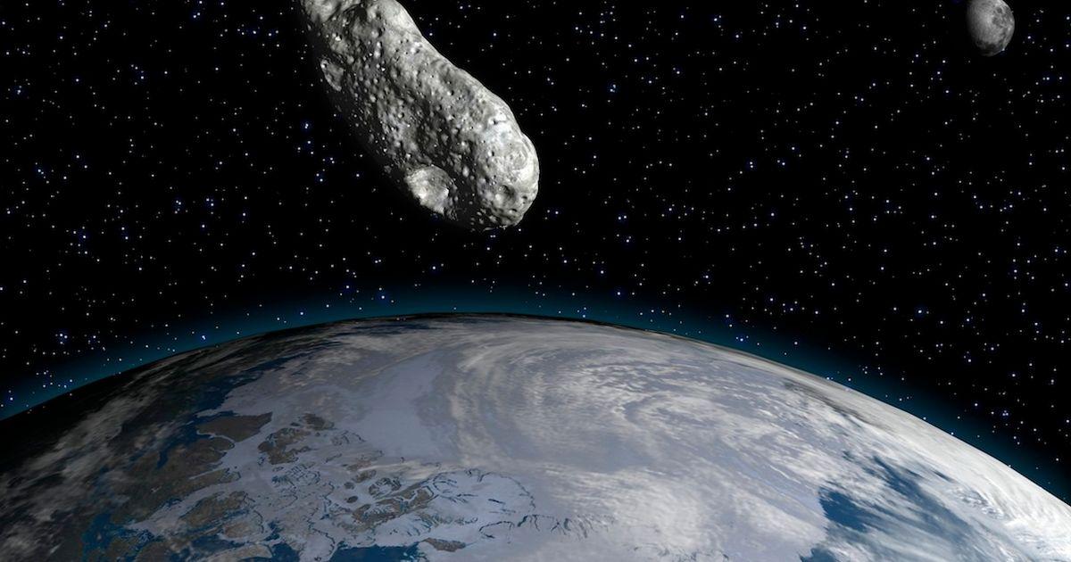 NASA предупредува дека опасен астероид се движи низ вселената