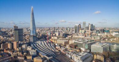 Велика Британија ќе следи илјадници криминалци со GPS алки