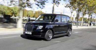 Електрично такси од Лондон доби дозвола за употреба во Париз