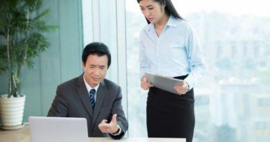 Јапонскиот министер за сајбер безбедност не користи компјутер
