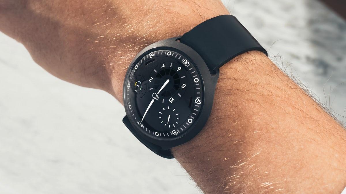 Паметен механички часовник по цена од речиси 50 илјади евра