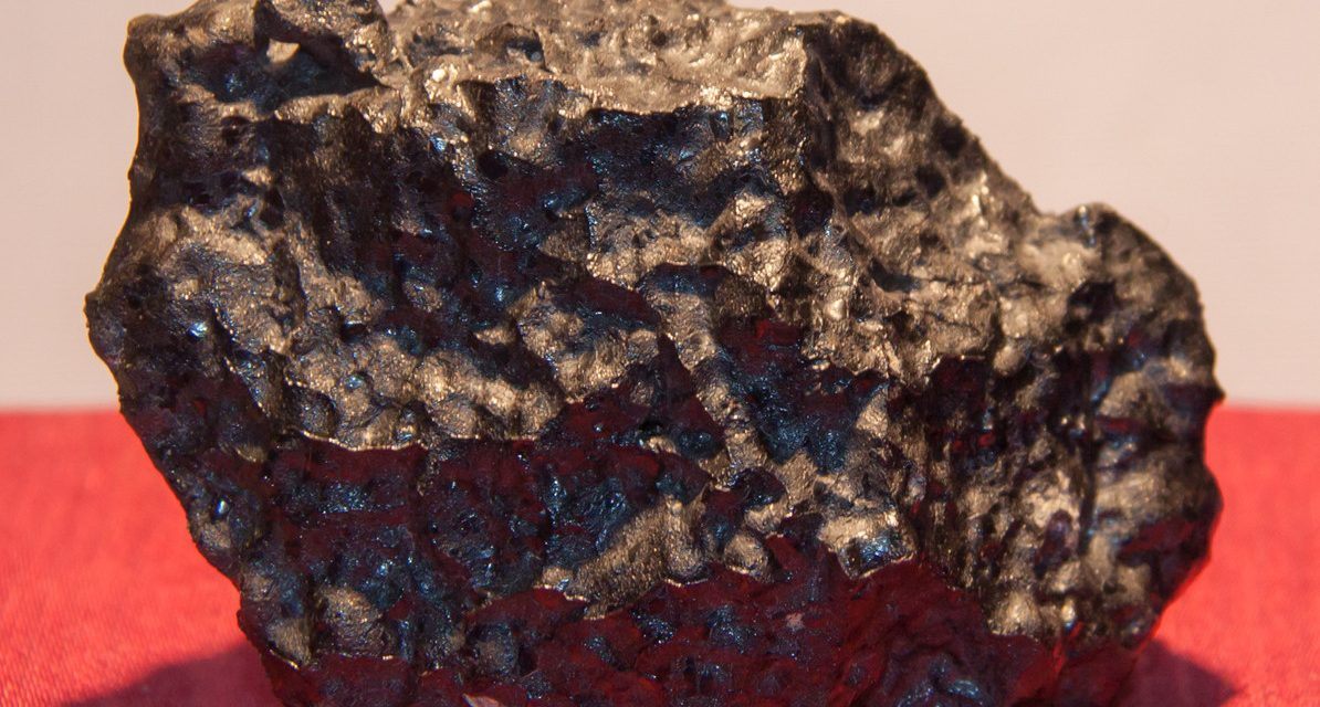 Во метеорит од Марс пронајдени траги од живи организми