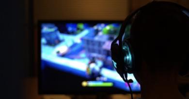 Кина забрани игри во кои има крв и коцкање