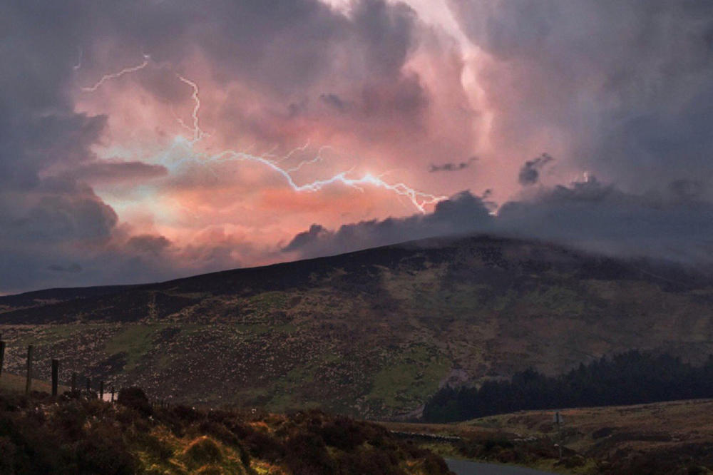 Се очекува супермагнетна бура на Земјата во наредните 10 часа