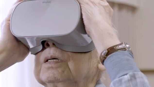 Виртуелната реалност им помага на постарите луѓе во Јапонија да патуваат низ светот