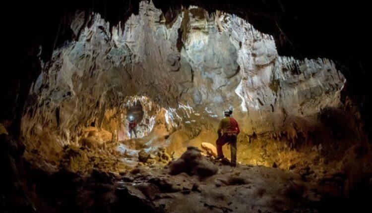 Астронаутите се подготвуваат за вселената во пештерите на Словенија