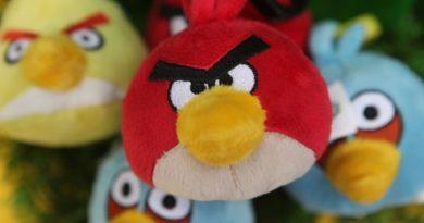 Култната игра Angry Birds наполни 10 години (ВИДЕО)