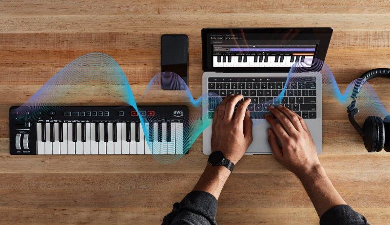 """Amazon претстави """"паметна"""" клавијатура, на експертите им звучи ужасно (ВИДЕО)"""