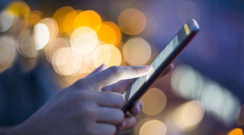 Пазарот на премиум паметни телефони бележи сериозен пад