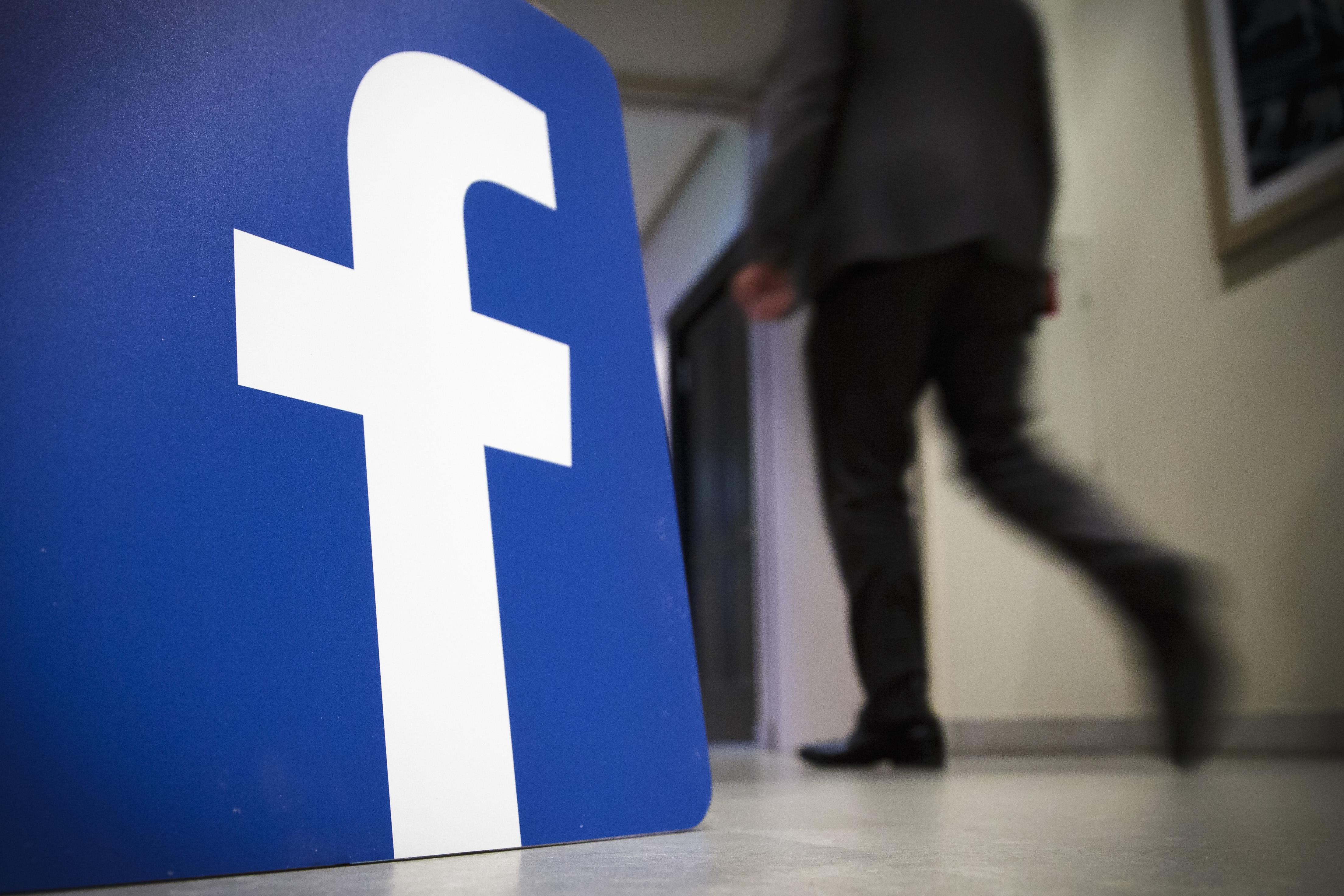 Русија ги казни Facebook и Twitter со по 58.000 евра
