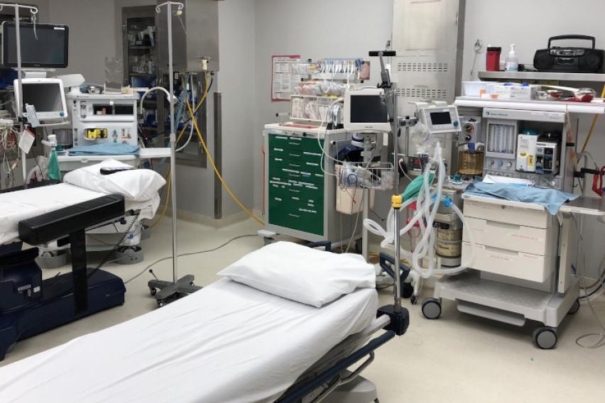 Канадски доктор демонстрираше респиратор кој лечи девет пациенти одеднаш (ВИДЕО)