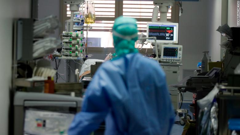 Докторите збунети поради новиот симптом на Ковид-19
