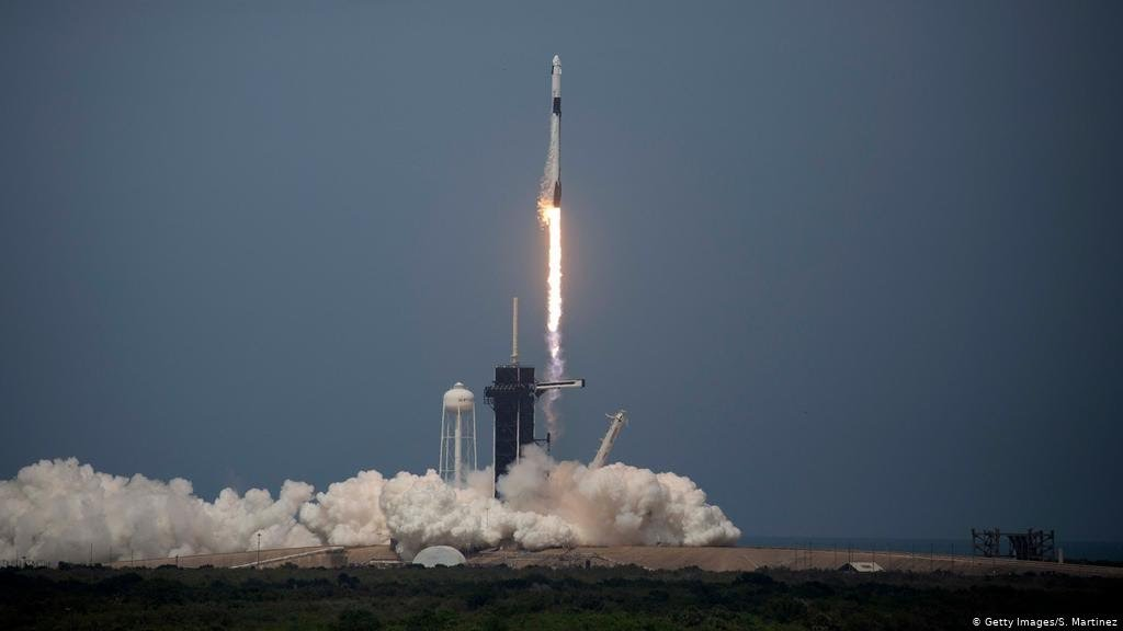 Историско лансирање: SpaceX првпат испрати астронаути во вселената (ВИДЕО)