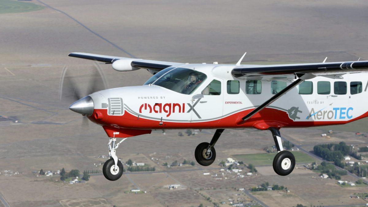 Најголемиот целосно електричен авион го изврши првиот лет (ВИДЕО)