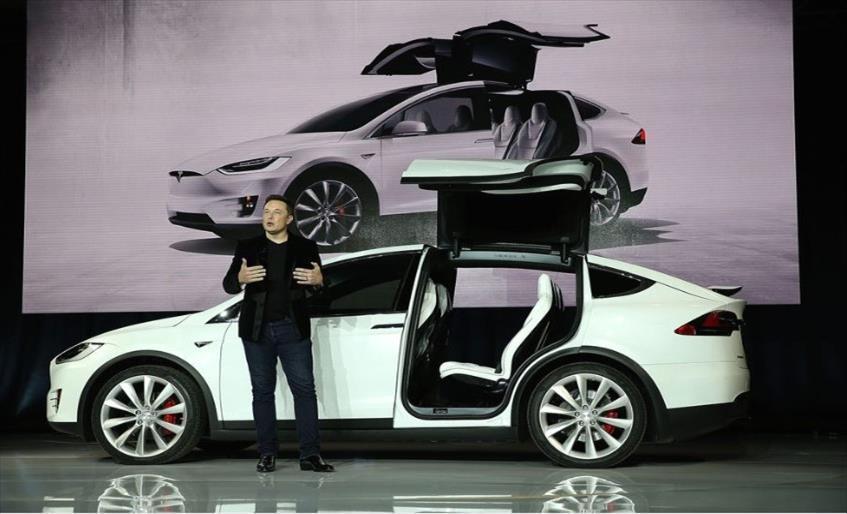 Елон Маск повторно во обид да создаде компанија за осигурување возила