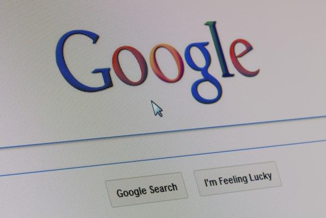 Пребарувајте на Google како да е 1990. година