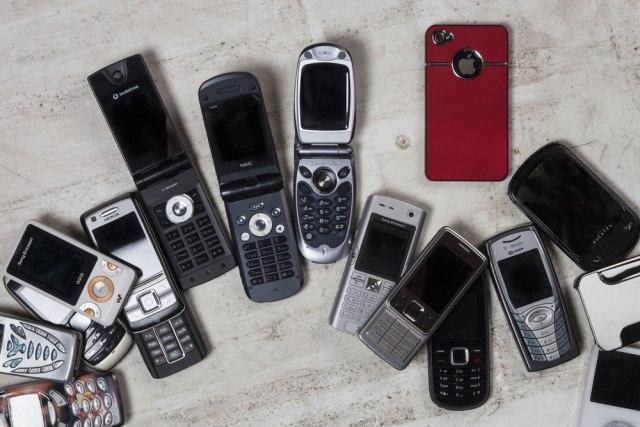 Во колекцијата чува повеќе од илјада телефони – сите функционираат!