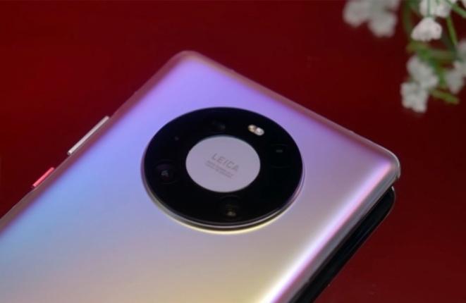 Huawei ги демантира наводите за прекин на соработката со Leica