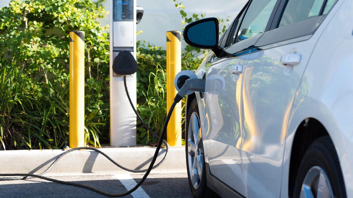 """Електричните автомобили не се """"почисти"""" од дизелите?!"""