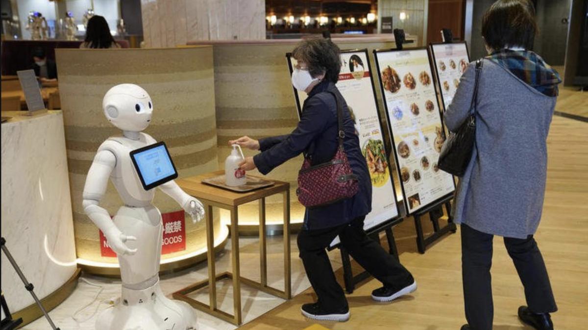 Јапонците создадоа робот кој детектира купувачи без заштитна маска (ВИДЕО)