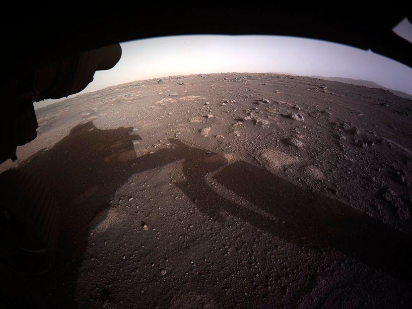 НАСА објави спектакуларни фотографии од Марс (ВИДЕО)