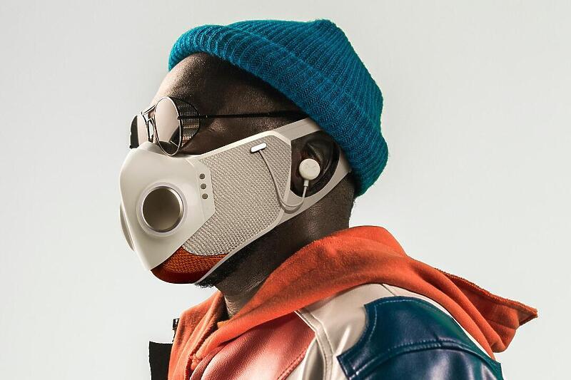 Раперот Will.i.am дизајнираше high-tech заштитна маска (ВИДЕО)