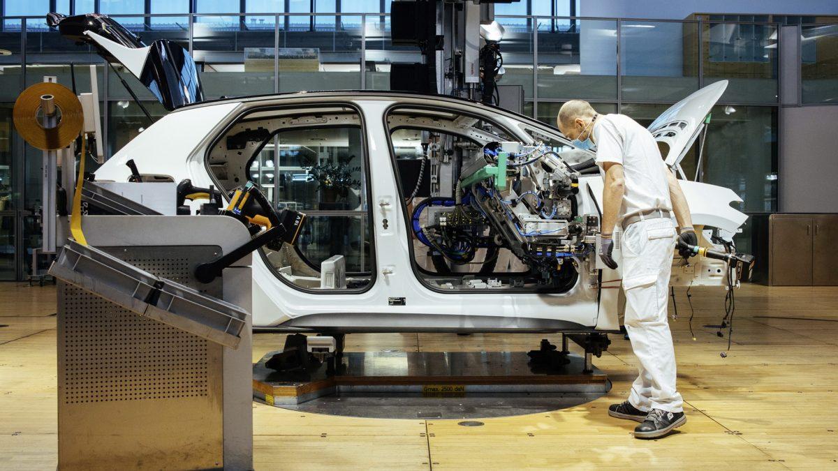 Германците очекуваат продолжување на кризата со микрочиповите