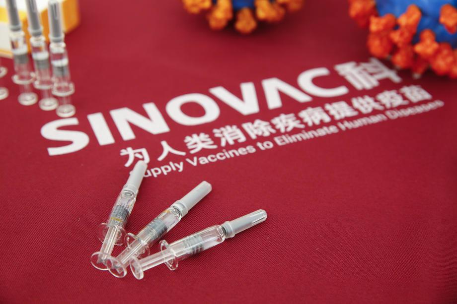 Истражување: Антителата исчезнуваат шест месеци по примањето на втората доза Синовак