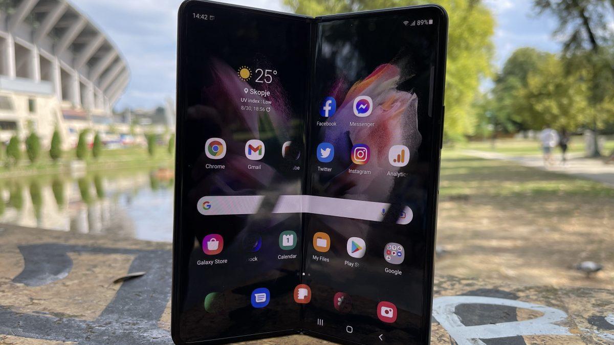 РЕЦЕНЗИЈА: Samsung Galaxy Z Fold 3 – Иднината пристигна!
