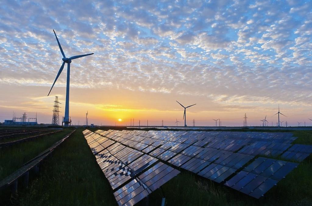 ИЕА: Светот мора тројно да ги зголеми инвестициите во обновливи извори