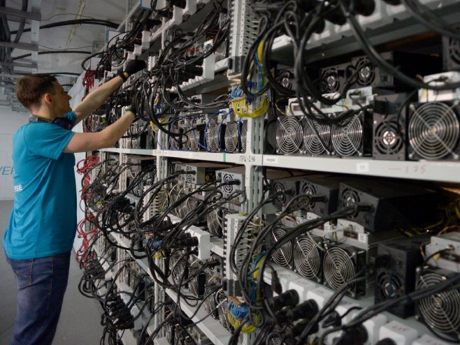 """Тајно изградиле две термоелектрани за да """"копаат"""" биткоини"""